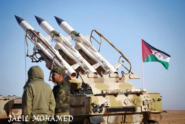 El ejercito saharuai realiza entrenamientos militares en las zonas controladas por la RASD. / Jalil Mohamed